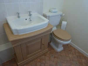 New bathroom - Toilet, vanity unit and basin